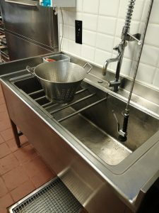 a clogged kitchen sink in bussum