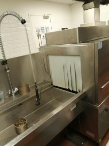 a clogged professional kitchen in enschede