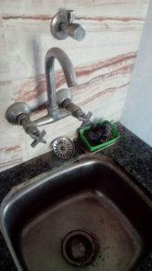 unclogging a sink in helmond